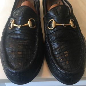 Men's Gucci black crocodile horsebit loafer.